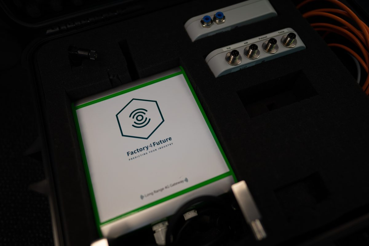 Smartcase Factory 4 Future voor o.a. OEE verhogen - Door en voor techneuten